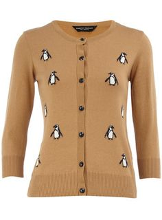 there are penguins on this sweater. THERE ARE PENGUINS ON THIS SWEATER!