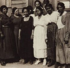 "First African American Women to vote in Ettrick, VA, 1920.  from caption: ""These women, left to right, are Eva Conner, Evie Carpenter, Odelle Green, Virginia Mary Branch, Anna Lindsay, Edna Colson, Edwina Wright, Johnella Frazer, and Nannie Nichols"""