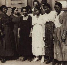 First Black women to vote in Ettrick, Virginia, 1920    These women, left to right, are Eva Conner, Evie Carpenter, Odelle Green, Virginia Mary Branch, Anna Lindsay, Edna Colson, Edwina Wright, Johnella Frazer, and Nannie Nichols,