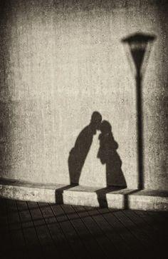 Silhouette kisses