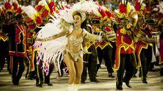 A rainha da bateria Carla Prata durante desfile da Escola de Samba Grande Rio
