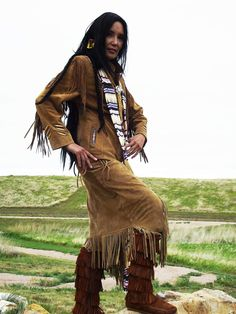 Junal Gerlach -Top Native Model/Actress -Modeling Tribal Impressions Hanna Top, Matching Fringed Skirt and Five Layer Minnetonka Zipper Boots! Review The Collections off of: http://www.indianvillagemall.com    You can also find out more about Junal's professional modeling and acting off of:  http://www.modelmayhem.com/1050392