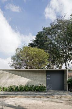 """Entrance to """"Pavilion"""", São Paulo, Brazil by METRO"""