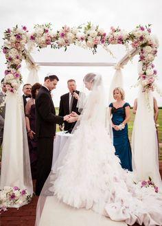 Soft, Romantic Jewish Wedding Chuppah Keywords: #jewishwedding #jewishweddings #jewishweddingoutdoors #jevel #jewishwedding#jevelwedding #jevelweddingplanning Follow Us: www.jevelweddingplanning.com www.pinterest.com/jevelwedding/ www.facebook.com/jevelweddingplanning/ https://plus.google.com/u/0/105109573846210973606/ www.twitter.com/jevelwedding/