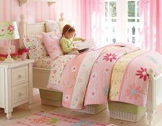 I love the Pottery Barn Kids Pink Daisy Garden Bedroom on potterybarnkids.com