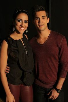 They have beautiful voices #TeamXtina's Sylvia Yacoob and Dez Duron backstage. #Playoffs #VoiceYourDreams