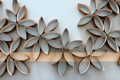 wow!! I just love this...Toilet paper roll flowers. Really amazing and sooo cool! Isn't it lovely?