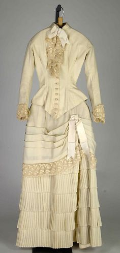 Ivory wool and silk afternoon dress, American, 1883.