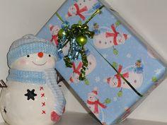 snowman gift wrap