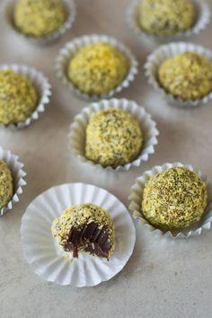 Raw Coconut & Turmeric Chocolate Truffles (vegan option) | Wallflower Girl.