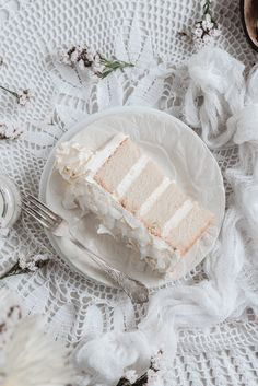White coconut cake.