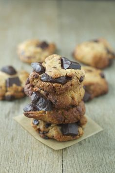 Paleo Chocolate Chunk Cookies #glutenfree #grainfree #paleo