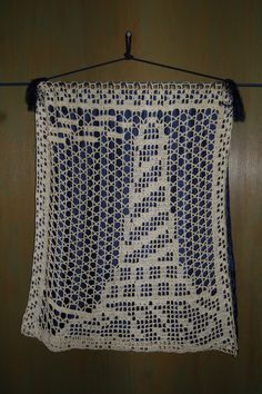 filet crochet lighthouse
