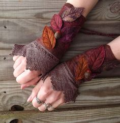By 'Folk Owl': Vintage Lace Faerie Cuffs - fairy costume - fairy accessories - felt gloves -  fantasy costume - pixie armwarmers - Steampunk Fairy