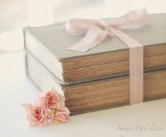 vintage books, readers digest, pink flowers, cover books, shabby chic, pink ribbons, book covers, ribbon flower, old books