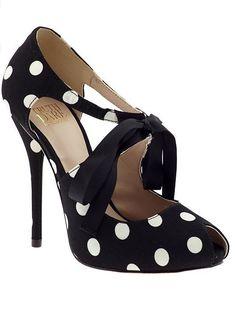 Polka dot bow heels