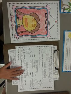 The Teachers' Cauldron: First Days of the Year...and Freebies! First Day/Last Day of School Time Capsule