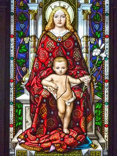 Madonna and child stained glass Vaticano