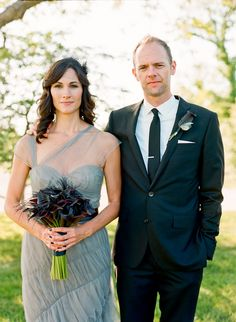 grey Vera Wang wedding gown // photo by Q Weddings // http://ruffledblog.com/plum-and-gra-texas-wedding