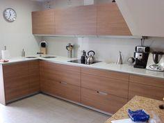 Reforma cocina mobiliario SANTOS, modelo Minos, Nogal.  RENOVA INTERIORS https://www.facebook.com/pages/Renova-Interiors/509602039094184