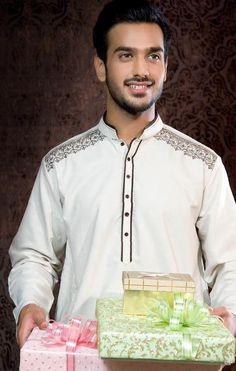 #Kurta #Embroidery detail from http://www.DeepakPerwani.com/ #Pakistan 2014 Eid Collection