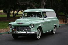 Okay, not a '59, but I love this retro color!