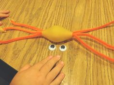 A cute craft for grandkids to help them grasp the power of clinging to the power of Jesus!