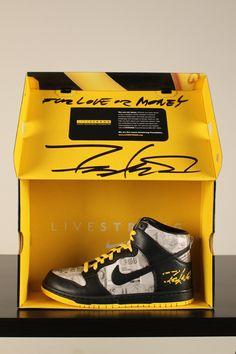 Nike F.L.O.M. Futura Signed