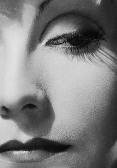 Greta Garbo photographed by Clarence Sinclair Bull, 1931