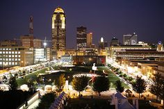 Downtown Des Moines, love this city!