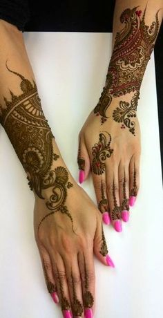 Henna back hand design