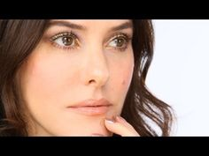 Lisa Eldridge - Gold & Sparkly Make-up Look. For more tips and a list of products visit http://www.lisaeldridge.com/video/21375/gold-sparkly-glittery-glossy/ #Makeup #Tutorial #Beauty