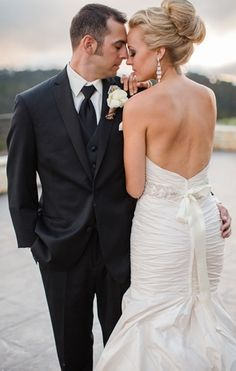 Plexus Slim & Accelerator for couples that want to be their healthiest on the best day of their lives. As a team you will stay focused and motivated.  www.plexusslim.com/aimeek