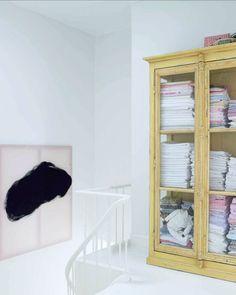 vintage-linen-cabinet