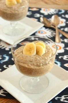 Banana Peanut Butter Chia Seed Pudding | 28 Easy & Healthy Breakfasts You Can Eat On-The-Go