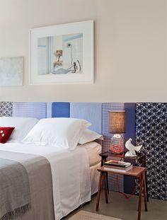 Cabeceira de cama de retalhos em azul.Reaproveitamento inteligente e lindo.