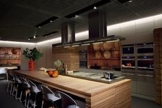 Beautiful kitchen :) I like to entertain... or at least I WOULD like to