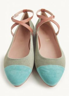 lovely colorblock suede flats http://rstyle.me/n/hx8g5r9te
