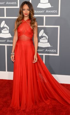 Rihanna rocking a gorgeous red Alaia and plenty of diamonds at the 2013 Grammys
