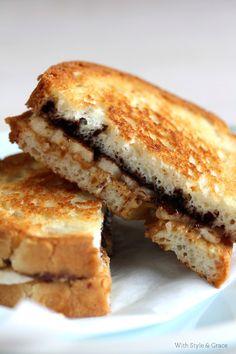 Grilled Peanut Butter, Chocolate & Banana Sandwich