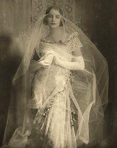 ::::::::: Photo Vintage :::::::: Mariée avec Pearl & Tulle Veil 1921