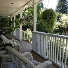I would love a porch like this