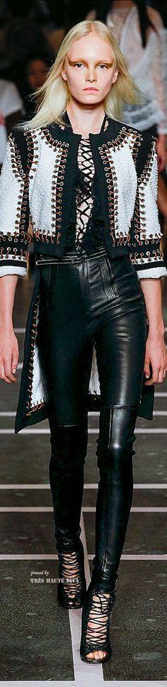 Givenchy SpringSummer 2015 Collection – Paris Fashion Week