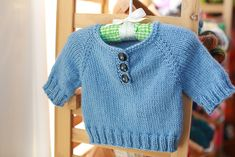 A Simple Baby Pullover ( 1 mo/3 yrs) (US7/4.5mm) - free pattern by Erica Kempf also in french
