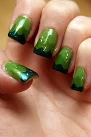 Kiss me, this St. Patrick's Day nail art is