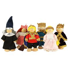 Children will love this friendly fairy tale family. Including a king, queen, prince and princess, the set is ideal for imaginative roleplay and story telling, and will become a firm favourite.