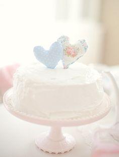 Casamento feito à mão: Topo de bolo {corações}