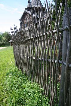 vertical wattle fence