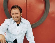 Chris Tomlin is one of my favorite Christian Artist!