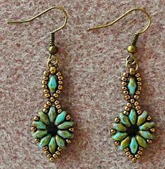 Linda's Crafty Inspirations: Bracelet of the Day: SuperDuo Flower Chain Bracelet